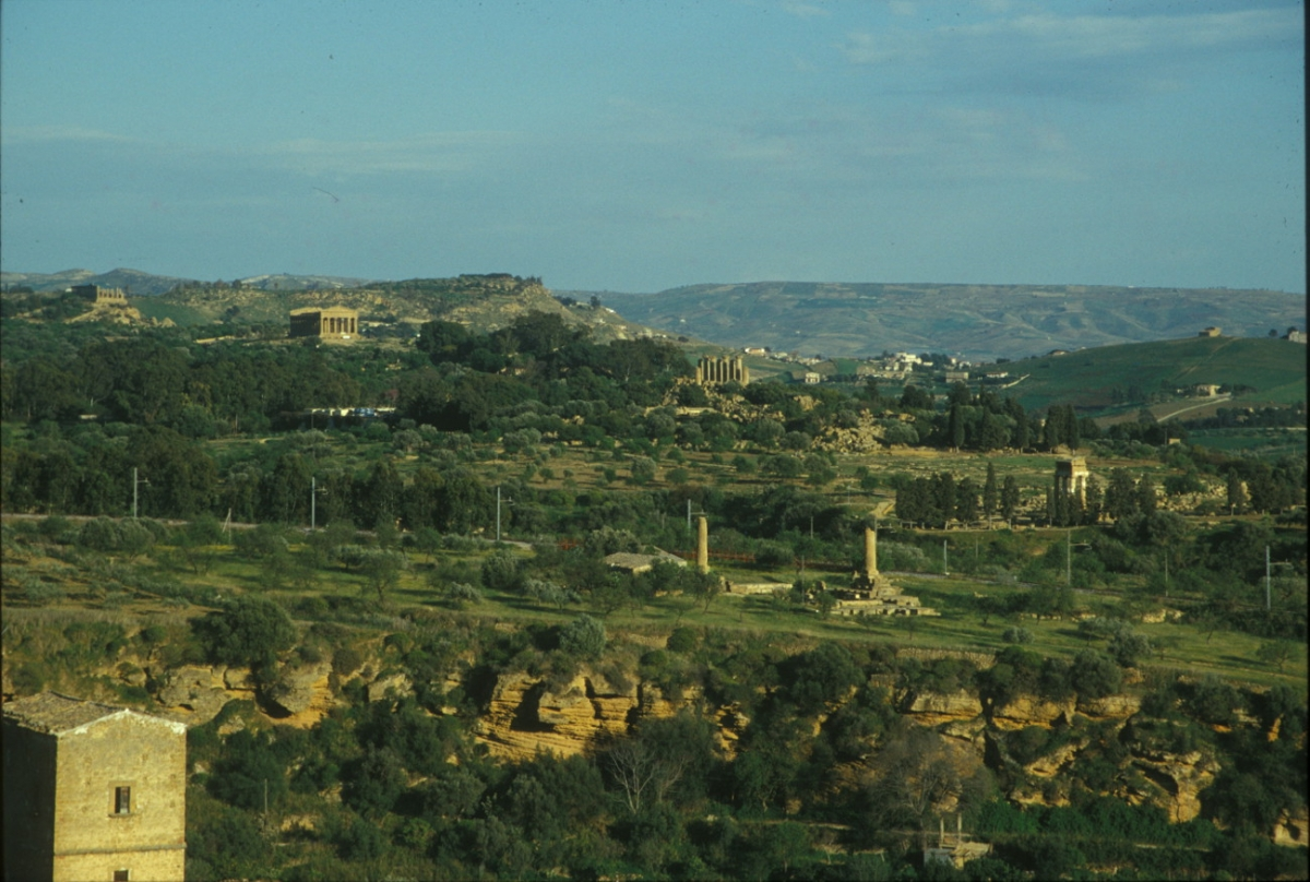 agrigento divorced singles Toggle navigation connecting singles  located in agrigento, sicilia, italy,  for long-term dating marital status never married, divorced, widowed, separated.